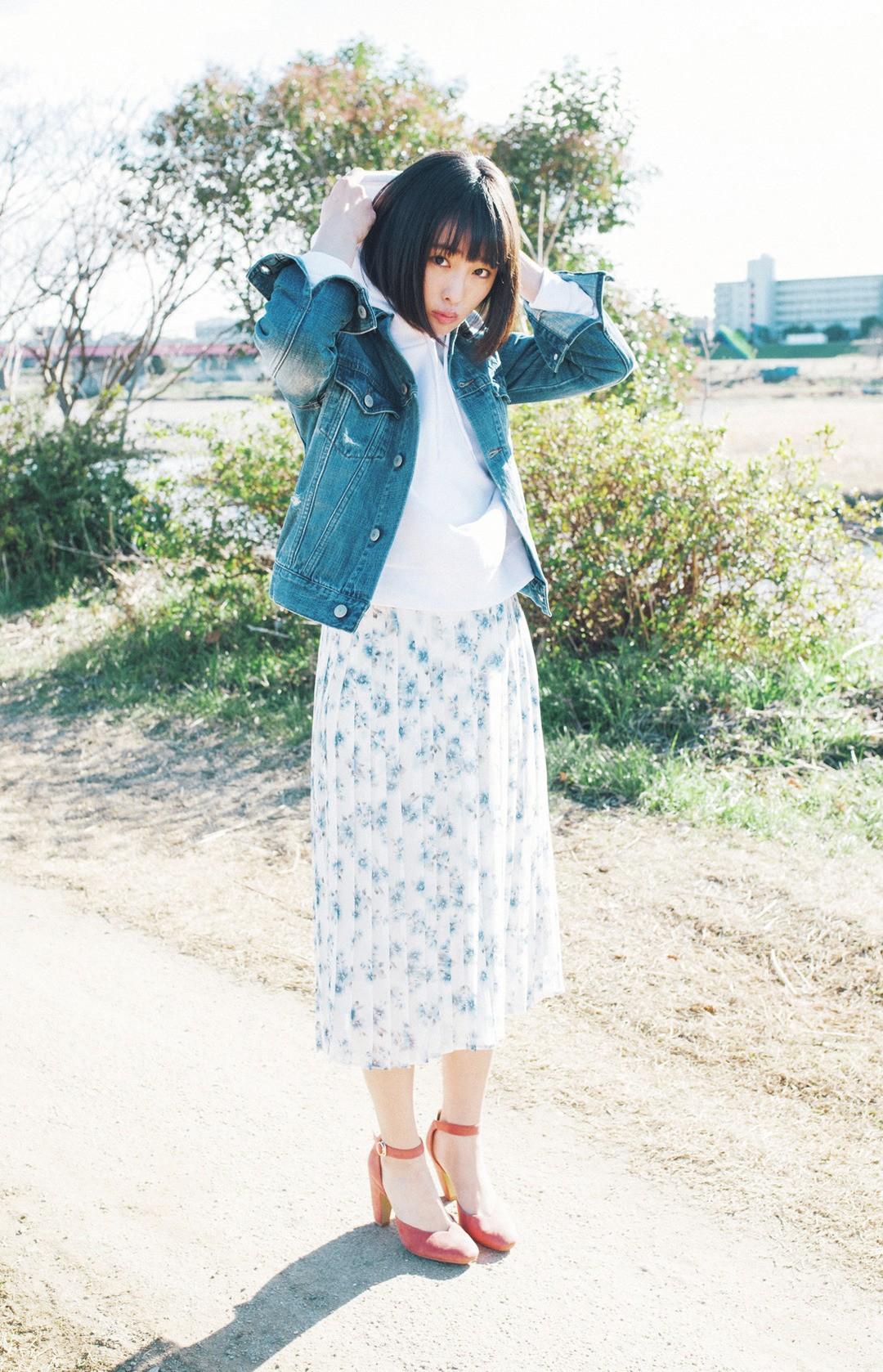 「とことん女のコって感じの花柄は、ちょっとカジュアルに着たい気分♪ ヒールでオトナっぽさはキープするよー!」(大友花恋)